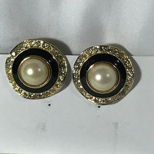 VINTAGE GOLD TONE IMITATION PEARL CLIP ON EARRINGS